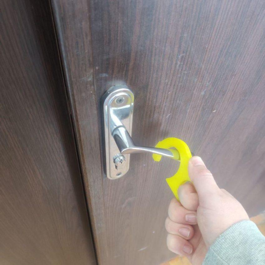 Крюк для открывания двери 2